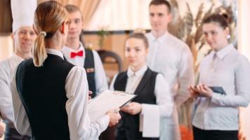 6 Lý do Nhân viên khách sạn nghỉ việc